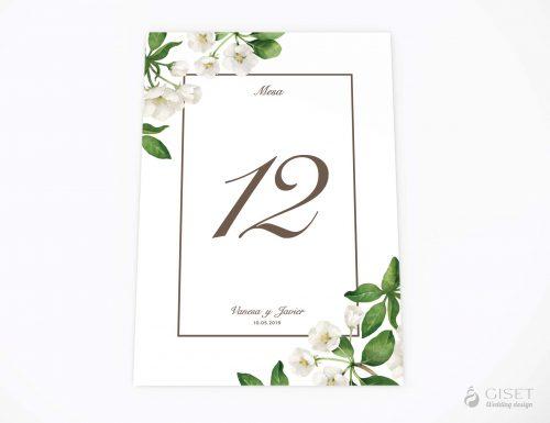 meseros de boda con flores en acuarela blancas giset wedding