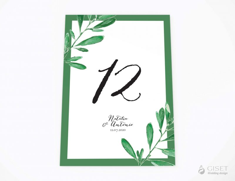 meseros de boda con hojas de olivo giset wedding